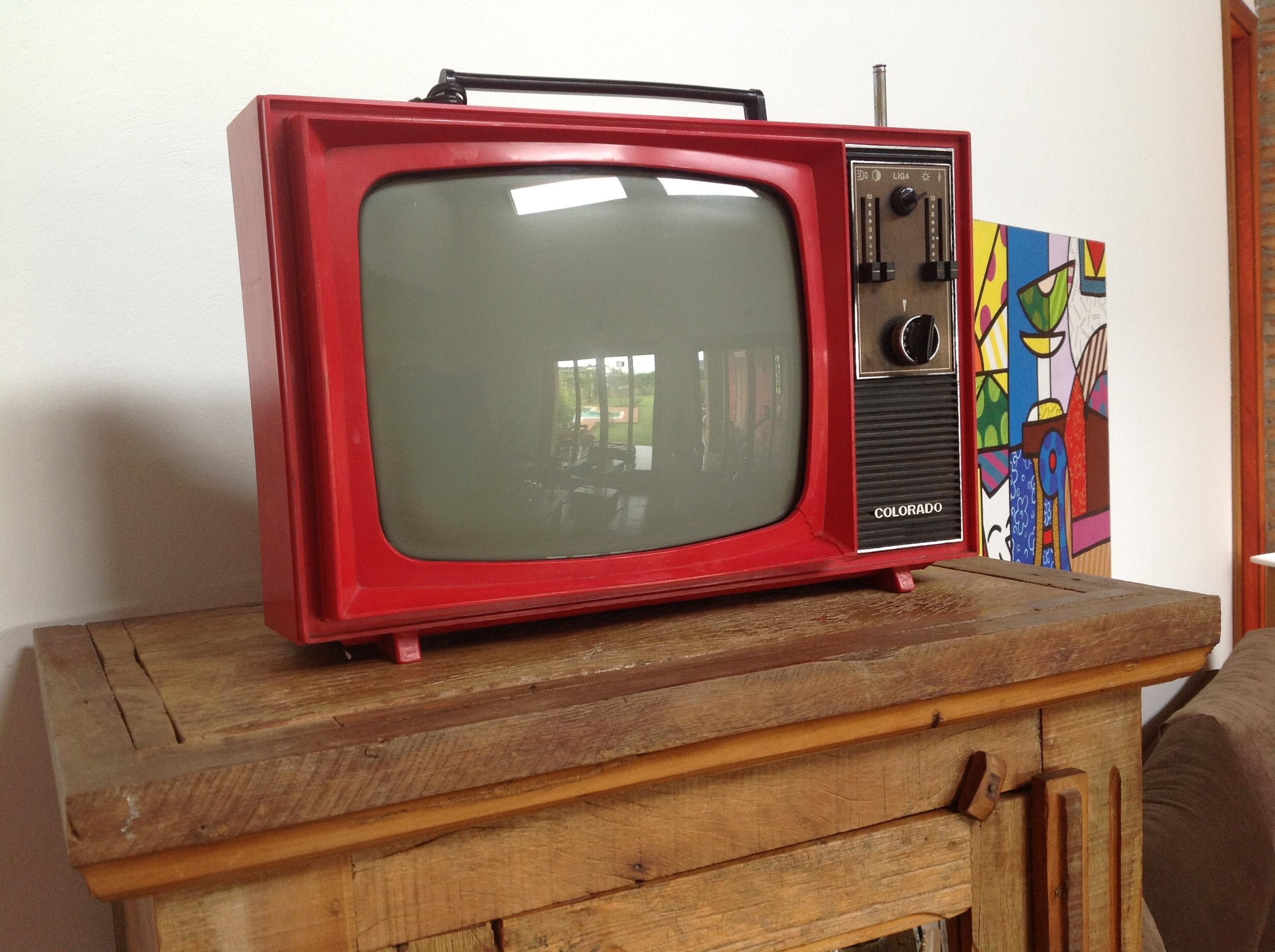 Estilos vintage e retr invadem a decora o dos ambientes for Mobilia anos 70